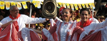 cumbia-dancers