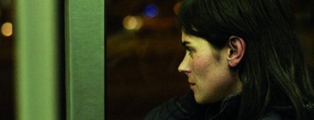 Karen Cries On The Bus / Karen Llora En Un Bus