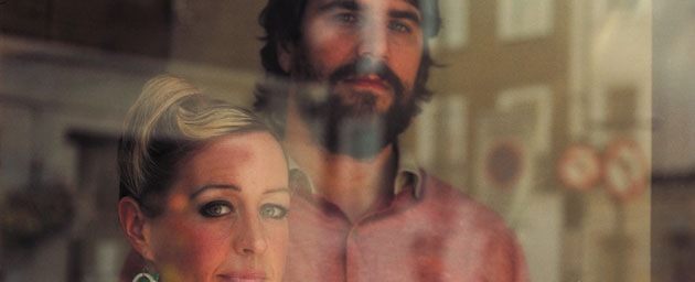Quantic & Alice Russell with the Combo Bárbaro – Look Around the Corner