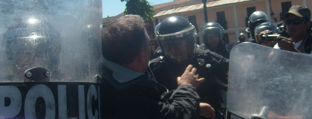 Marco Arana beaten and detained by Peruvian police