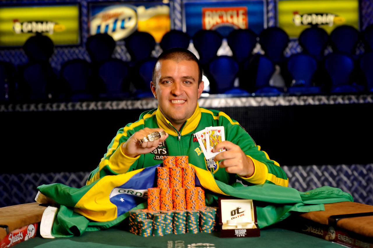 Andre-Akkari-Event-43-Winner-2011-WSOP