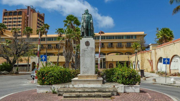 Statue of Manuel Carlos Piar, Curaçao