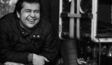 """Gonzalo Maza on the set of """"Ella es Cristina"""". Photo credit: Angelina Dotes."""